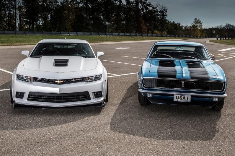 2014-Chevrolet-Camaro-Z28-and-1967-Chevrolet-Camaro-Z28-front-view-796x528