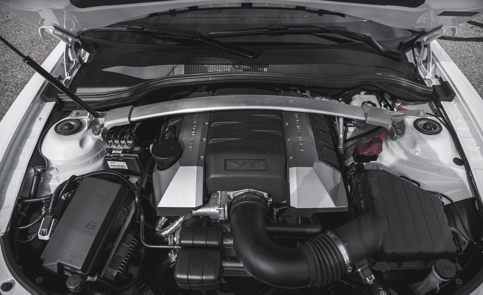 2015-chevrolet-camaro-ss-1le-62-liter-v-8-engine-photo-643413-s-986x603