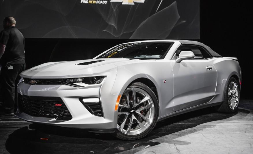 2016-Chevrolet-Camaro-SS-convertible-107-876x535