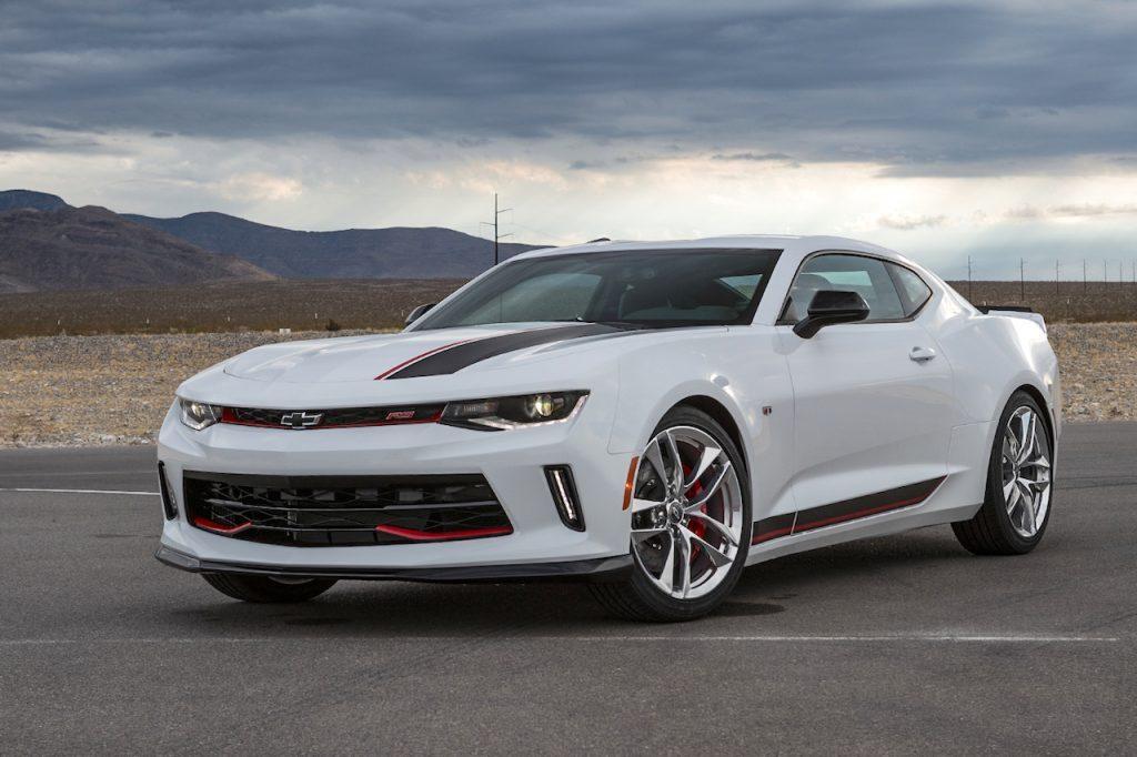 2017-chevy-camaro-rs-performance-white-1024x682